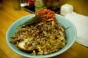矢作チャーシュー+納豆+キムチ+揚げネギ×大盛り。現状の全部載せ。当然有村の皿。